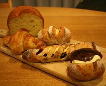 オリジナリティーたっぷりのハード系パンが充実しています。見た目も思わず見入ってしまう個性的なものが揃います。食感や風味にこだわって作られたパンは、生地自体の味がしっかりと旨みを感じられ、素材との相性も考え抜かれ、どれも絶品です。