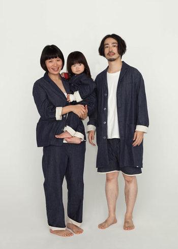 男女のパジャマが取り揃えられています。 家族で揃えても素敵なデザインが人気の秘密。