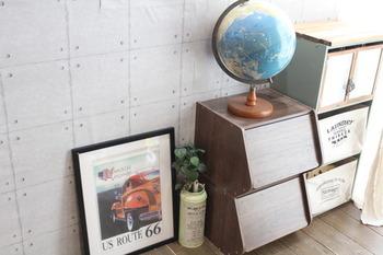 コンクリート風のリメイクシートを貼ると、お部屋の雰囲気がガラリと変わってリフォーム気分が味わえます。