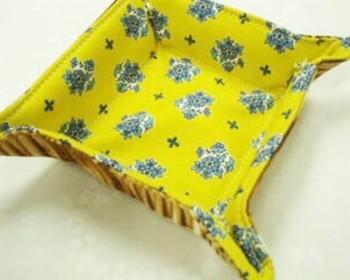材料も、わざわざ布を購入する必要もなく、お手持ちのはぎれがあればできちゃいます♪ まっすぐに縫うだけなので、手芸が苦手な方にもおすすめですよ。