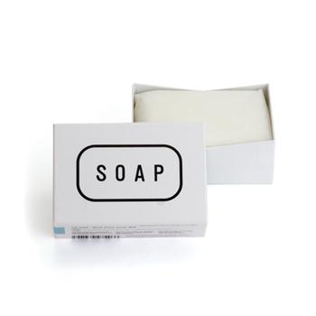 ■TEH SOAP  強すぎる洗顔料が肌を乾燥させ、過剰に皮脂を分泌させていることも。シンプルな無添加石鹸で、肌のコンディションを整えてみて。