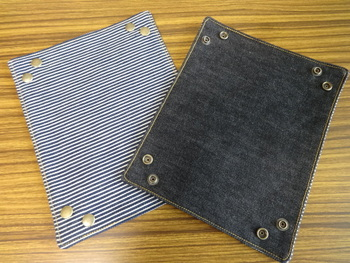 組み立て式のトレイの角は、縫い止めないで写真のようにスナップボタンを付けてあります。 使わない時は平らになるので、場所を取らない点もいいですね♪