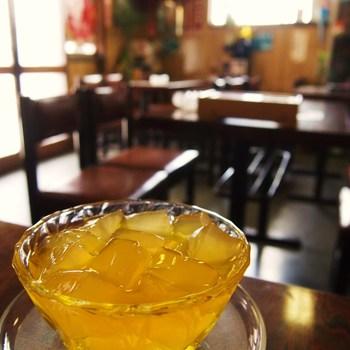 ダイエットやエイジングにも効果的な台湾スイーツ、愛玉子。台湾に行かずとも、日本の下町、レトロで居心地の良い「愛玉子」で本場の味をぜひ味わってみてください。