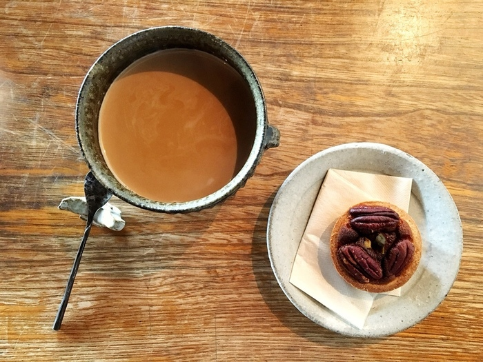 コーヒーや紅茶をはじめ、自家製ジンジャーエールなどのドリンクメニューも充実しています。デザートはクレームブリュレやアイスクリーム、ナッツのタルトや季節限定の焼き菓子など。種類豊富なスイーツは、どれも魅力的なものばかりです☆素材にも味にもこだわった美味しいカフェメニューをいただきながら、贅沢なひとときを過ごしてみませんか?