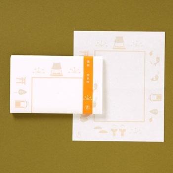 懐紙(かいし)はお茶席で菓子をのせたり、茶碗の口を拭うのに使う和紙です。また、メモ紙やちょっとしたものを包むのにも使えますし、グラスの雫が気になる時にはコースターがわりにも◎。色柄も豊富で、和のペーパーナプキンとしても使えます。 バッグに入れておけば、ふとした時に使えてお役立ちなアイテムです。