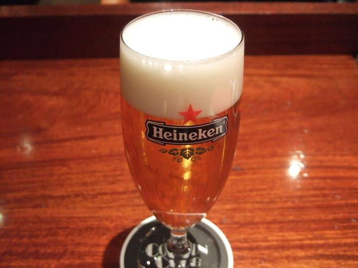 ビア・ジャッジの資格を持つソムリエがおすすめする日替わりビールもあります。