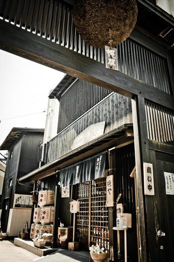 智頭宿には、風情ある町屋が軒を連ねています。江戸時代から変わらない街並みを眺めながら散策を楽しんでみてはいかがでしょうか。