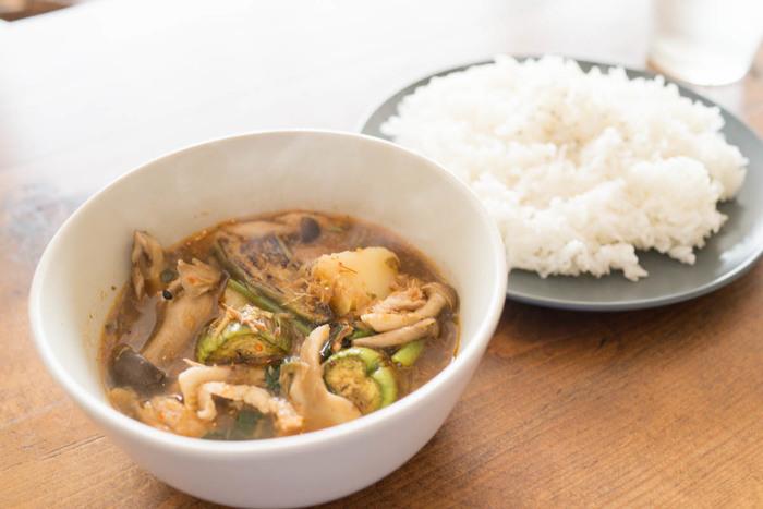こちらで頂けるタイ料理は日本人向けに作られています。こちらのゲーンパーは優しそうな見た目とは裏腹に、辛い豚肉とハーブのスパイスが効いたスープカレーです。ピリッと刺激がほしい方にオススメの一品です。