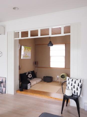 リビングの奥にある和室。このままでも開放感があり素敵なのですが…。
