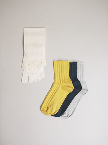 惑星や星座をモチーフに*「KARMAN LINE」の靴下で足元からおしゃれを楽しみたい♪