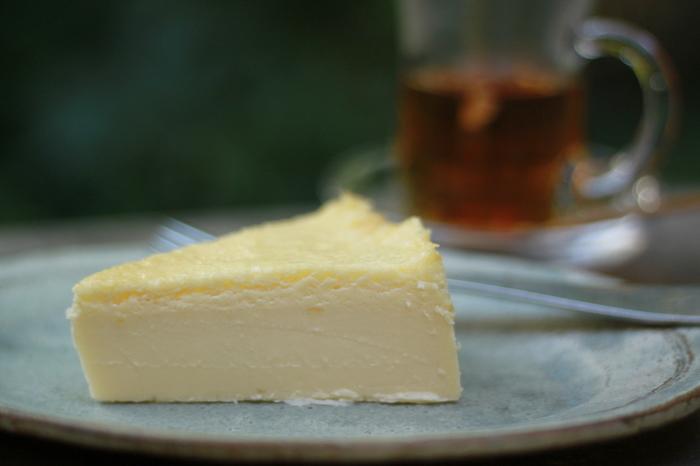 写真のミルキーチーズケーキは人気の定番。是非召し上がってみてくださいね。
