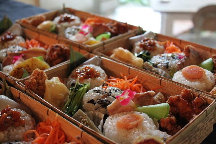 添加物や着色料、防腐剤を一切使わない自然派のお弁当です。福岡市内近郊にお弁当ケータリングも5名様から預かっています。