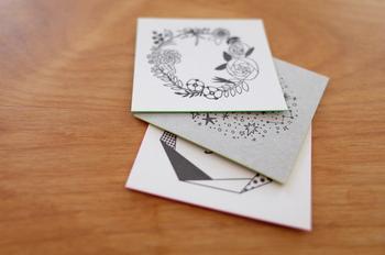 活版印刷のメッセージカード。モノトーンカラーでもデザインによって印象が変わりますね!