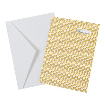 ■EggPress(エッグプレス)  eggpress cube repeat(エッグプレス サンキューカード)  昔ながらの活版印刷で作られた、シンプルながら味わい深いメッセージカードです。右上の小窓からは、さりげなく「THANK YOU」の文字が。イエローのほか、柄違いのピンクやブラックもありますよ。