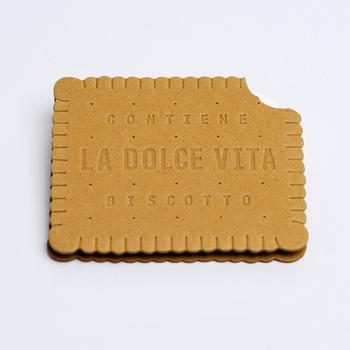 ■D-BROS(ディーブロス) ビスケット バニラ  まるで本物のビスケットのような、美味しそうなメッセージカードは、甘いもの好きのお友達にぴったり。