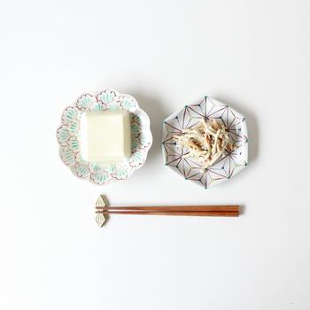 ちょっとしたおかずを盛り付けるだけでも品よく決まりますね。和菓子や果物を盛り付けても素敵ですよ。