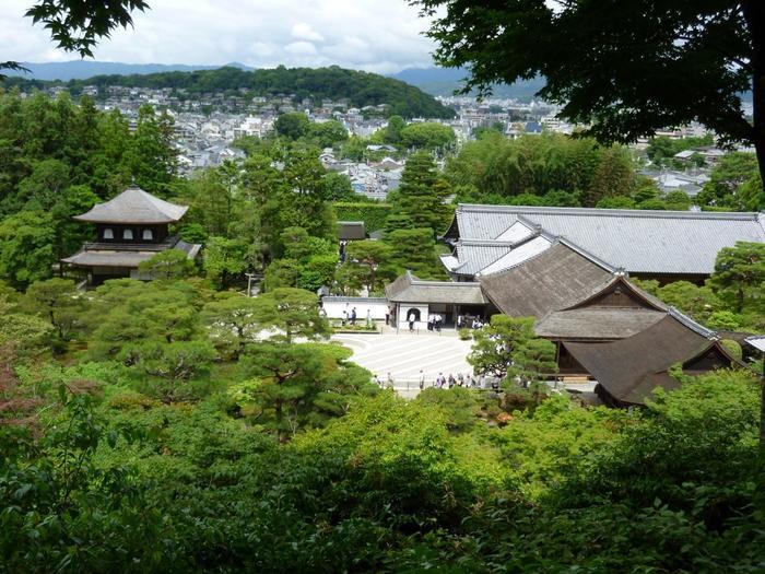 以下では、「銀閣寺」から逆走する方向けに、コース入口を案内します。【画像は、銀閣寺(東山慈照寺)。】