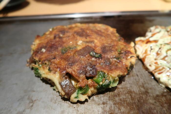 すじ肉とコンニャクが入った「ねぎ焼き」はお店の名物。「福太郎」に来たら必ず食べてほしい逸品です。