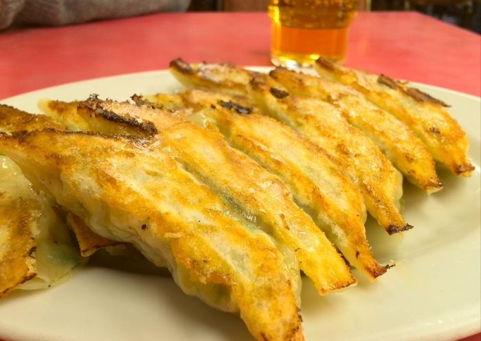空きっ腹に美味しく感じるのは、こんなメニュー。【東山駅近くの人気中華料理店「マルシン飯店」の焼き餃子。】