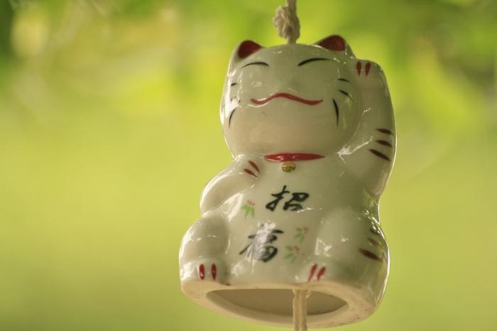 こんなかわいらしい招き猫の風鈴も。愛嬌ある笑顔に、蒸し暑い日でもこちらもつられて思わず微笑んでしまいますね。