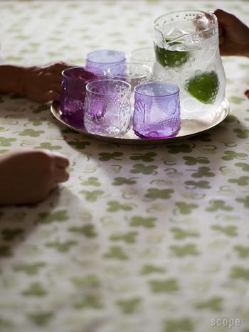 ひとつあるだけで、おしゃれなテーブルに♪同シリーズのグラスはもちろん、ほかのシンプルなグラスと合わせるのもGOOD。