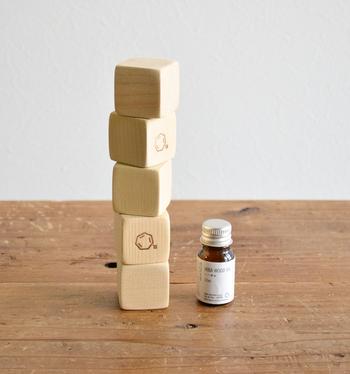 ひばのブロックは5個セットなので、並べてみたり積み重ねてみたりと、置き方をいろいろアレンジできるのも楽しい。