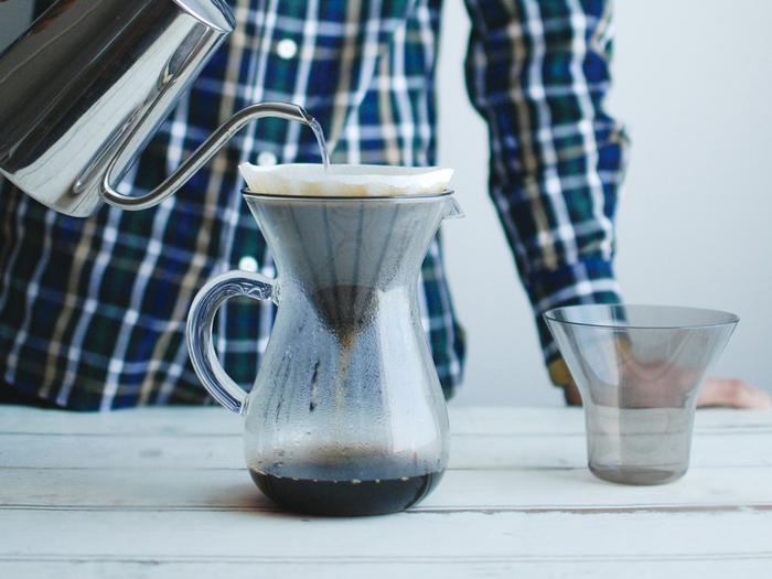 100度までOKの耐熱容器なので熱湯を注いでも安心。コーヒーカップ4杯分(600ml)が入ります。
