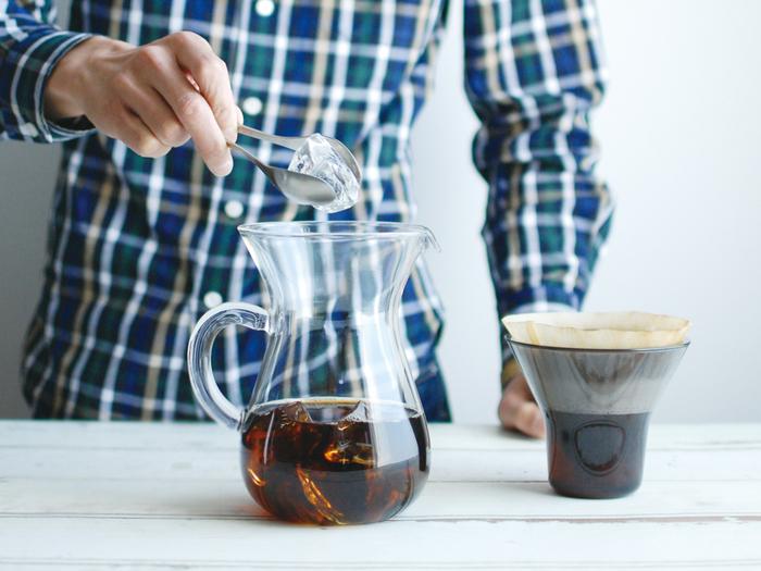 ブリュワーを外せば、おしゃれなピッチャーに。濃い目に淹れたコーヒーに氷を入れてアイスコーヒーのできあがりです。
