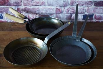 穴があくまでは使うことができる、と言われている鉄フライパンはまさに一生もの。焦げ付かない方法をマスターして、鉄フライパンでのお料理をぜひ楽しんでくださいね。