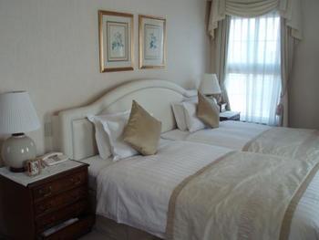 客室はわずか30室。どの部屋も気品溢れるクラシカルな雰囲気。それぞれの部屋でグリーンや赤、オフホワイトなどカラーがあり、ロマンティックで上品なインテリアにまとめられています。