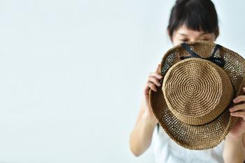 こちらも、「SASAWASHI」を使用した、爽やかで夏にぴったりのカンカン帽が手編みで作れるキットになっています。