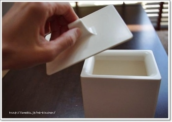 ゴミ箱は使いやすさも重要ですよね。ささっと使いたいキッチンには、フタの開けやすさも意識して選ぶと良いですよ。