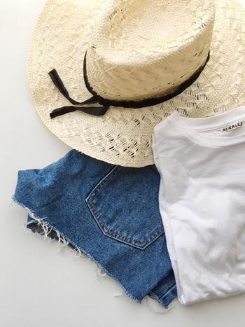 Tシャツにデニムなど、上下1アイテムずつのシンプルなワンツーコーデが多くなりがちな夏。