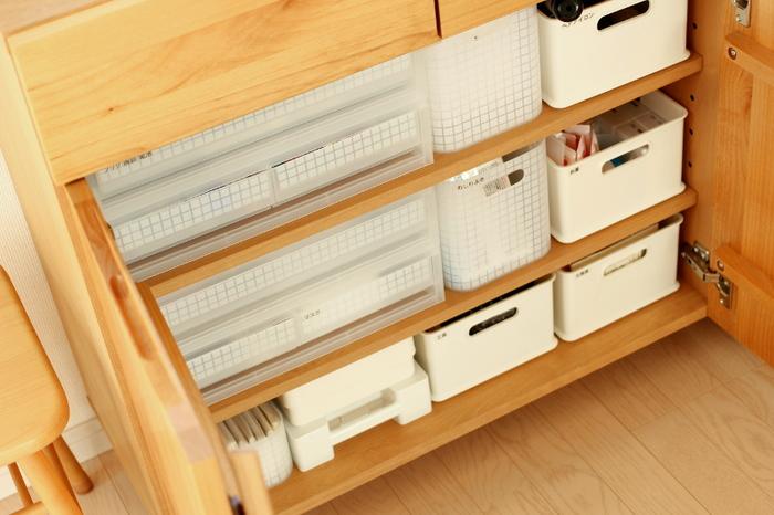 棚には無印良品のPPケース引出がおすすめ◎ジャストサイズではまる商品がきっと見つかるはず。