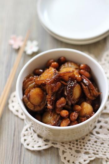 大豆の佃煮もそれだけで美味しくいただけますが、ベビーホタテと一緒に作ると、より深い味わいになり、見栄えも豪華になるので、お弁当のおかずとしても重宝しそう。