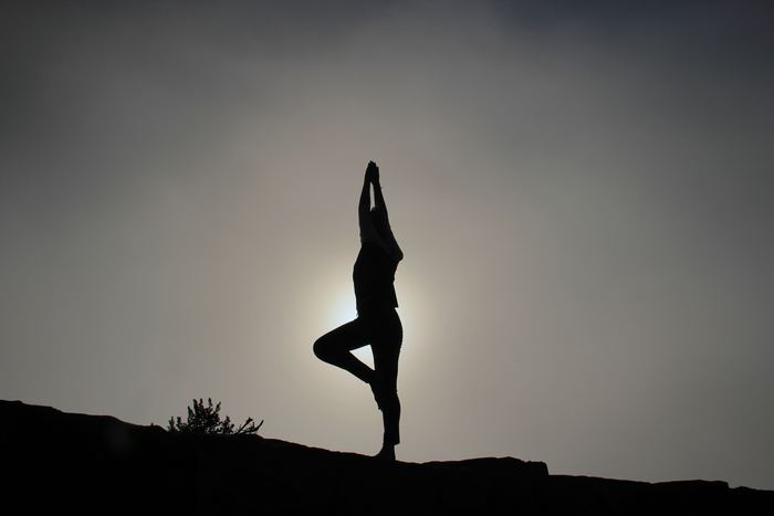 血行不良から結果的に基礎代謝を下げてしまうとも言われています。基礎代謝を上げるのは、健康のためにも美容のためにも大切なことですよね。姿勢に気を付けて、基礎代謝を下げないようにしましょう♪