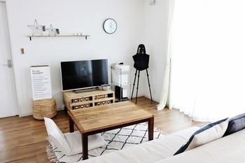 くつろぐスペースとしてソファも良いですが、あえて座椅子やビーズクッションにするのも◎ より広くお部屋を使える工夫の1つですね。