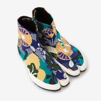 「風雅(ふうが)」は、地下足袋にぴったりな和風の柄です。シンプルなTシャツとデニムなどに合わせるとかっこいいですね。