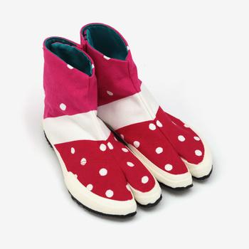 色使いが可愛い「いちごミルク2」は、裏地のターコイズブルーを見せて履くとさらにおしゃれに見えます。