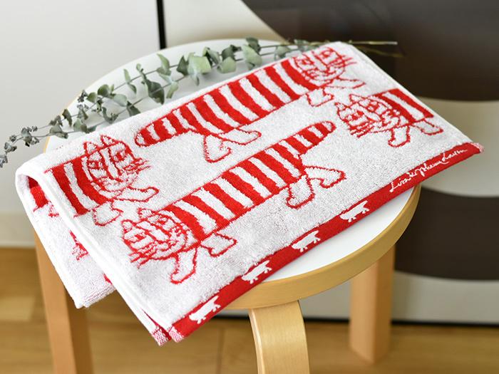 """こちらもスウェーデンの有名な陶芸家の「リサ・ラーソン」のデザインする""""マイキー""""というネコのタオル。 デザインはスウェーデンのものですが、タオル自体は今治タオルなのでいいとこどりのタオルです♪"""