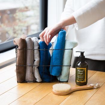 マイクロファイバーのタオルはとにかく吸収が良く、髪の毛を乾かしたりするのにもとっても便利です。洗顔後の顔をふくときもマシュマロのようなふわもこの肌触りがやみつきに。