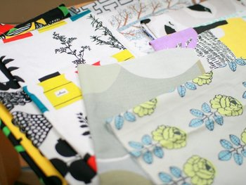 お気に入りの布やかわいい柄の布。ハンドメイド作品を作った後に残る「はぎれ」は、何かに使えると思ってとっておくことも多いですね。でも、いつか使おうと思っていても、だんだんと溜まっていってしまうことありませんか?