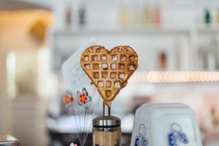 朝の朝食タイムをやさしく彩ってくれる、素敵な朝食レシピをご紹介しました。  いつもの朝食に新しいレシピが加わるだけで、朝の気分がグッと変わるのではないでしょうか。  朝は忙しく、時に憂鬱なこともありますが、美味しい食事から朝の気分を上げてみませんか?