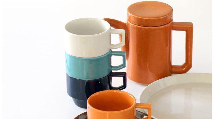 「これが伝統工芸品?」と思わず驚いてしまうほどの現代的なデザインが魅力の「HASAMI」。こちらは1960年代のアメリカのダイナーをイメージしたシリーズ。カラーバリエが豊富なマグは、カフェで見たことがある人も多いのでは?