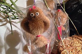 江戸時代から続く郷土玩具で、東京・雑司ヶ谷・鬼子母神の参詣みやげになっている「すすきみみずく」の原料でもあるのです。