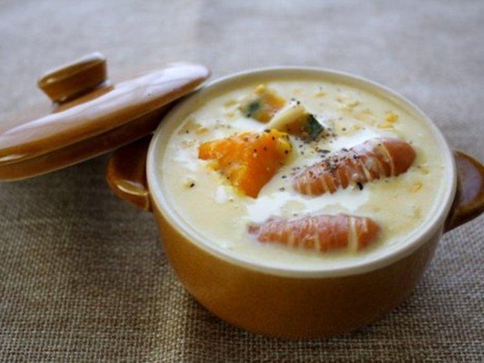 とうもろこしとかぼちゃの甘味に、ウインナーの塩味がベストマッチ!たっぷりの野菜を使った、優しい味のクリームスープ♪