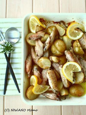 お肉のマリネは味がしみこんでとっても美味しい♪調理時間はかかりますが、漬け込んでオーブンへ入れるだけなので手間いらずです。