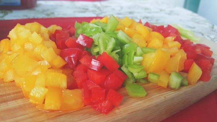 旬の野菜は安くて、一袋の量もたっぷり入っていますよね。そこで起こりがちなのが「買いすぎ」です。持て余して腐らせるのではなく、まとめて下ごしらえしておいて、毎日の調理時間を短縮しましょう!