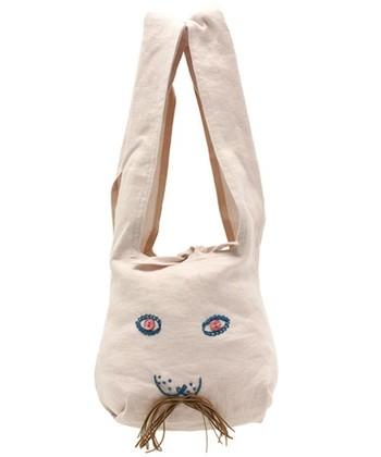 生成りのコットンのusa bag。白が「ウサギらしさ」を倍増させてます。
