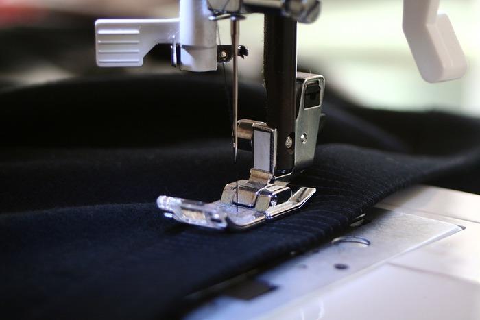 着物に通じる直線的な型取りのお洋服は、独特のシルエットと布を最大限に生かして楽しむ発想が魅力です。「直線裁ち」のお洋服で、エコでちょっぴりオリジナリティのあるスタイルを楽しんでみませんか?